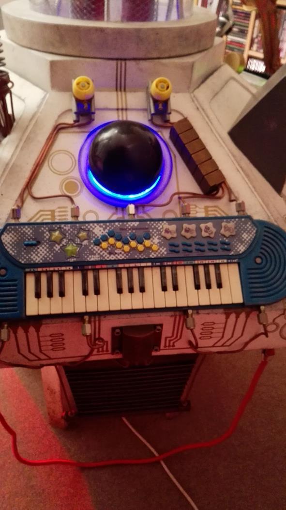10. Panel 4 Keyboard + Radiator.jpg