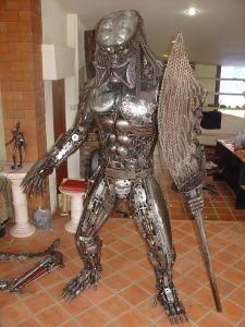 1533_predator_statue_scrap_metal_1.jpg