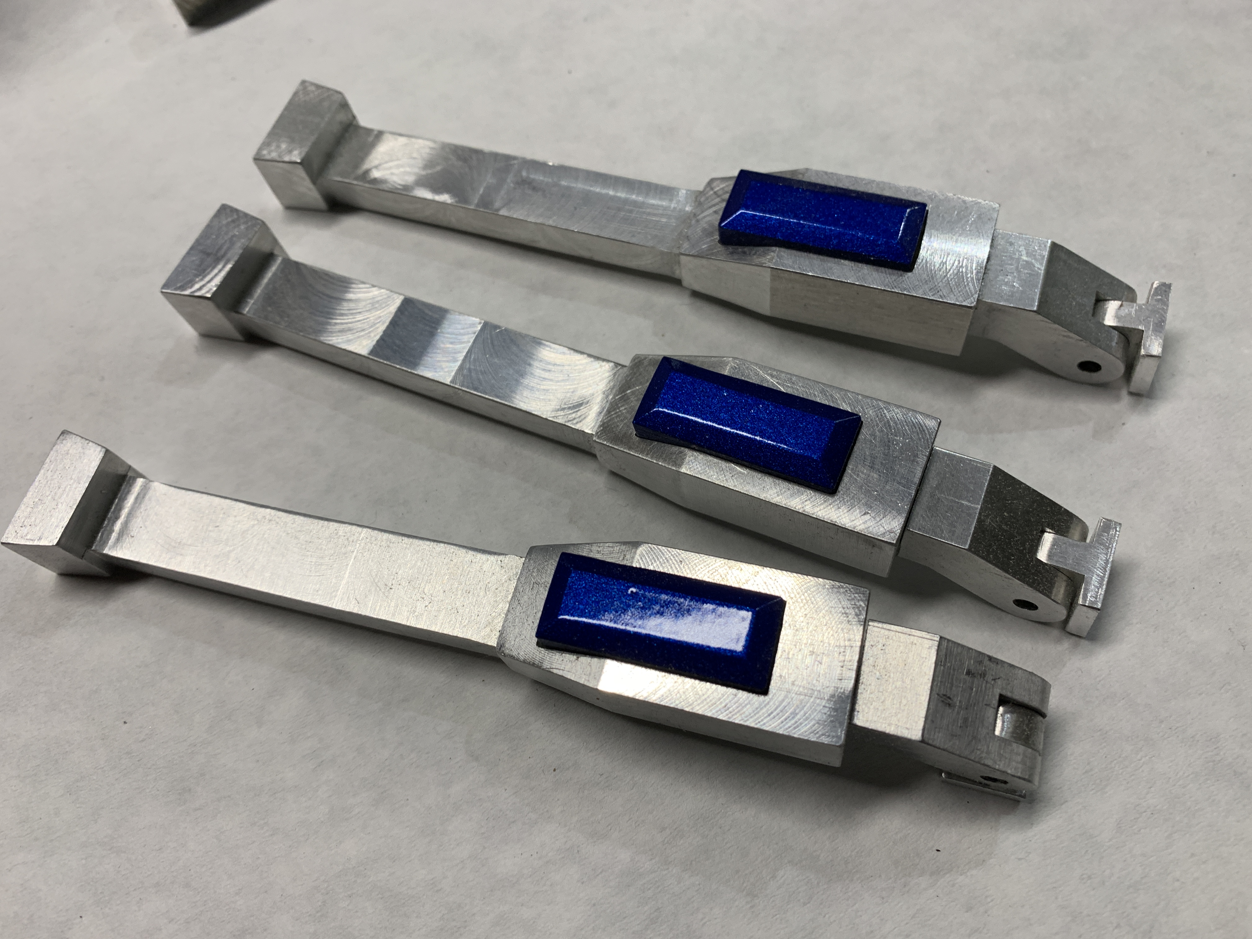 19.9 battery handles 4.JPG