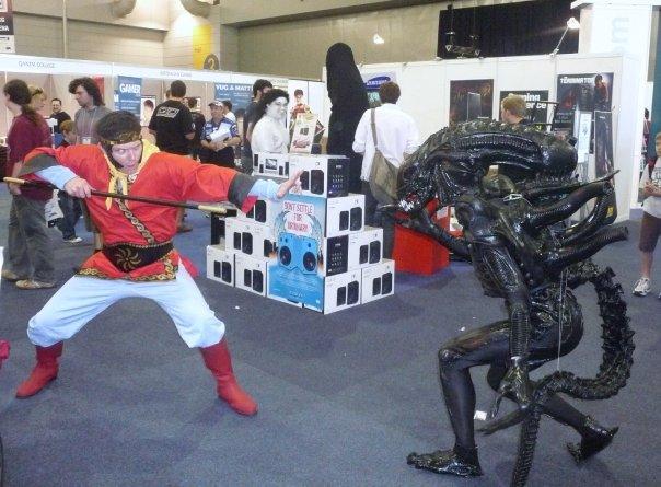 alien_vs_monkey.jpg