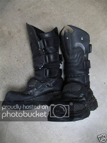 batman dead end boots.jpg