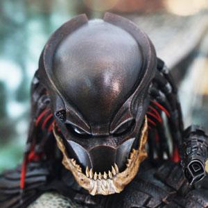 Berserker_Predator_Hot_Toys_Preview.jpg