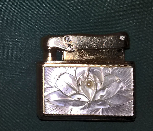 Colibri Mother of Pearl Wick Lighter 01s.jpg
