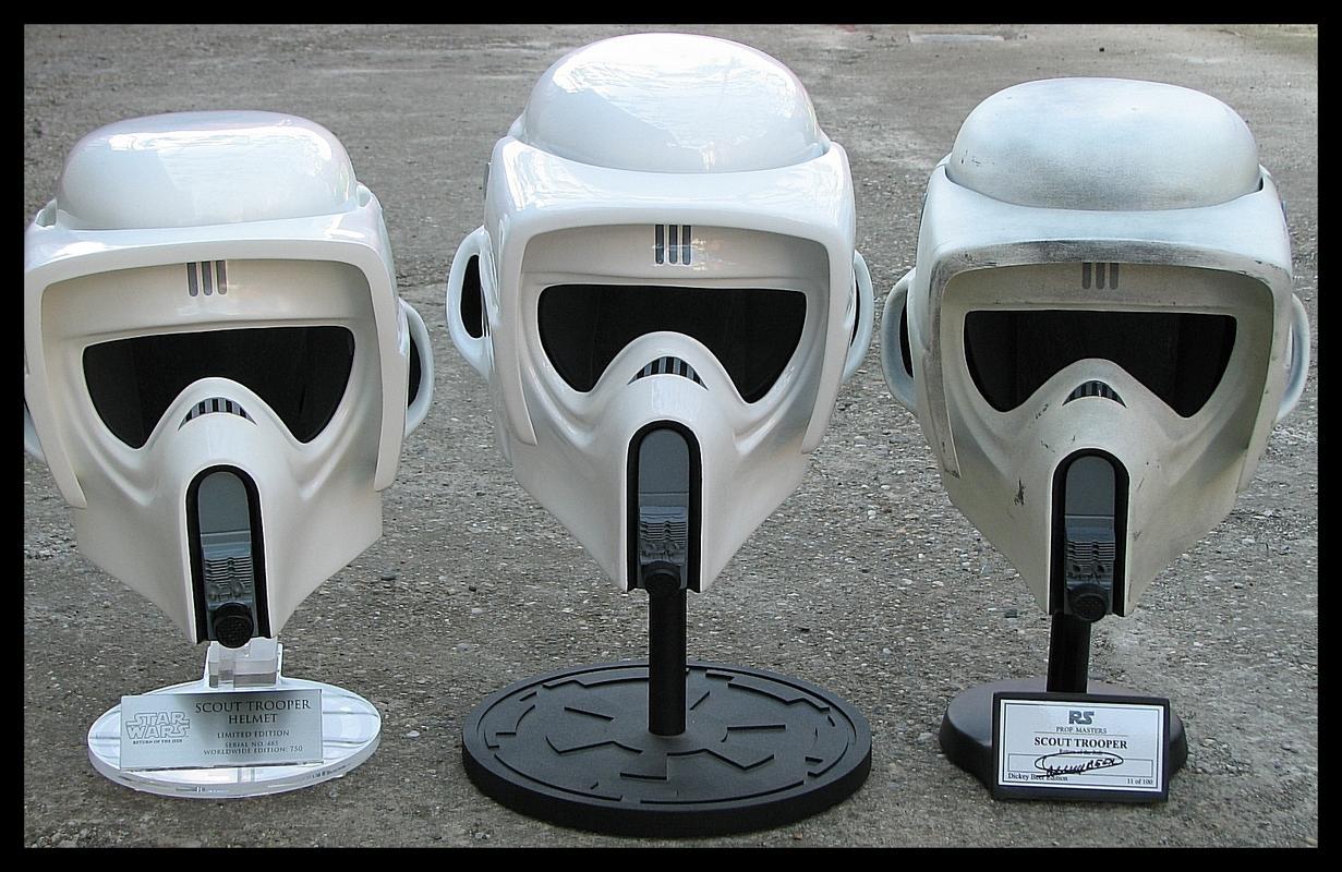 Comparison_EFX_LW_RS_Scout_Trooper_Helmet_02.jpg