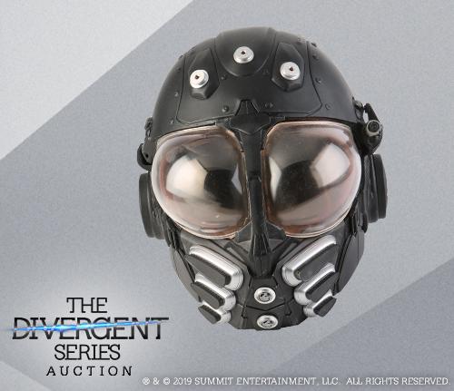 Divergent_Featured_Item_98822_Bureau-Wall-Guard-Light-Up-Helmet_1.jpg