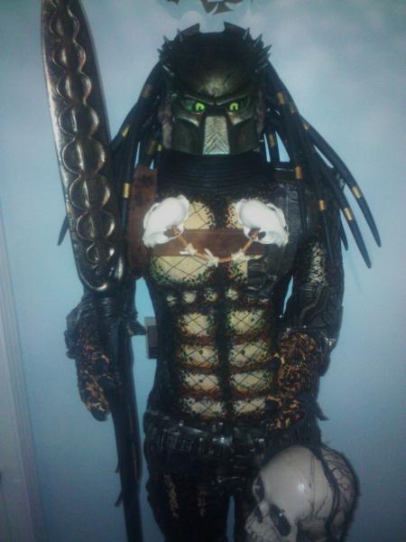 elh-erin-loves-halloween--albums-first-sculpt-picture52371-finishedeyes.jpg