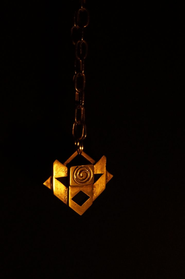 fate-of-atlantis-videogame-medallion.jpg