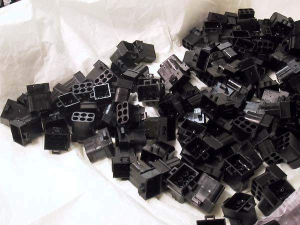Fett-Connector-Blocks-Black.jpg