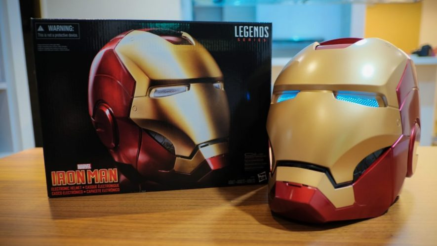Geek-Hasbro-Marvel-Legends-Iron-Man-Helmet-Review-14-of-14-e1474910211458-885x500.jpg