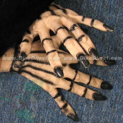 glove_monster_latex_monster_latex_2_Gallay.jpg