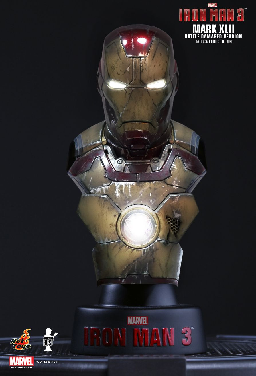 hot-toys-1-6-scale-iron-man-3-collectible-bust-series-battle-damaged-mark-XLII-1.jpg