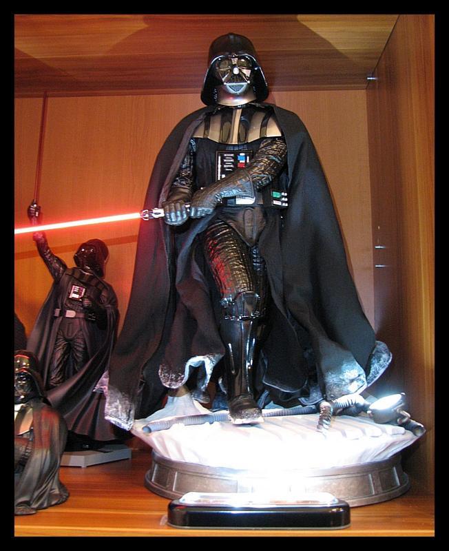 Iron_Studios_Darth_Vader_Legacy_statue_25.jpg