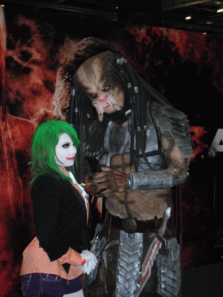 joker_and_the_predator_by_ayumimysterio-d3hl0v5.jpg