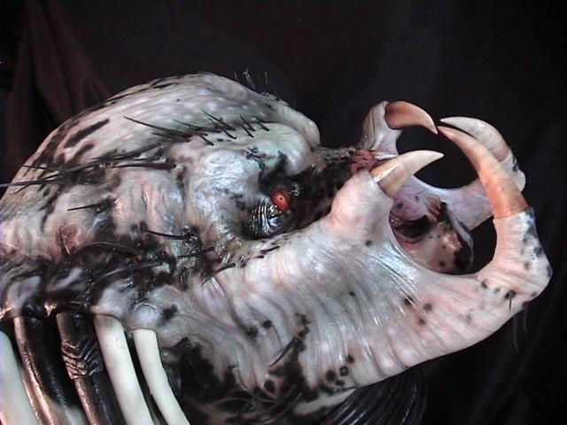 kre8tive1_predator_mask_helmet_1.jpg