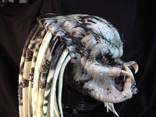 kre8tive1_predator_mask_helmet_2.jpg