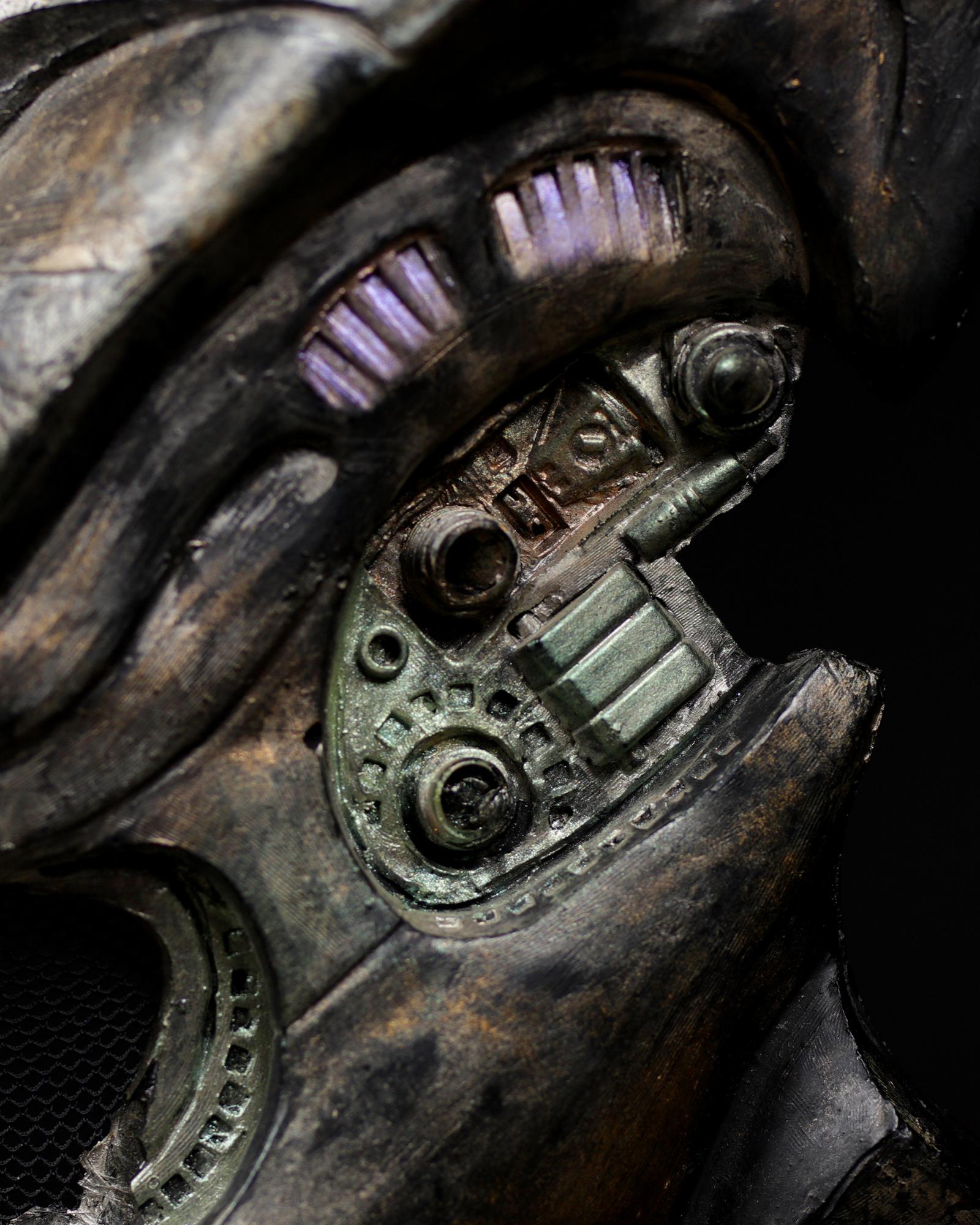 Pedator-bio-mask-helmet-original-prop-06.jpg