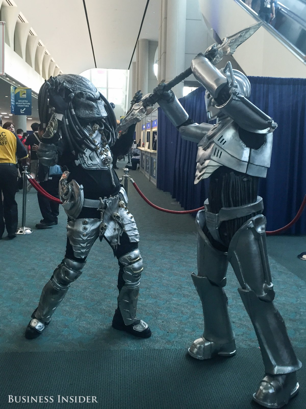 predator-and-cyberman-from-doctor-who-duke-it-out.jpg
