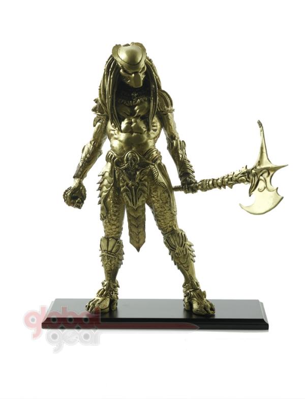 predator_20statue_20w_20axe_2_20copy.jpg
