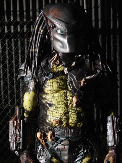 Predator_suit_sculpt13_by_ArtNomad.jpg
