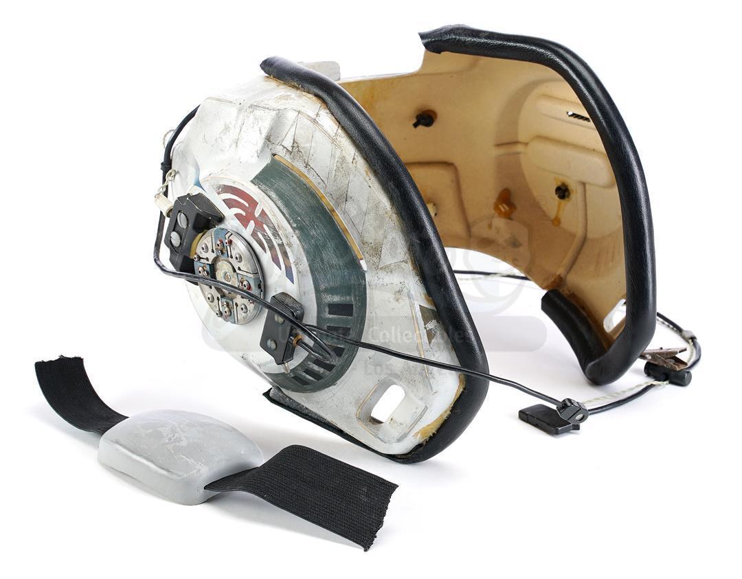 Prop-Store-Bwing-Helmet01.jpg