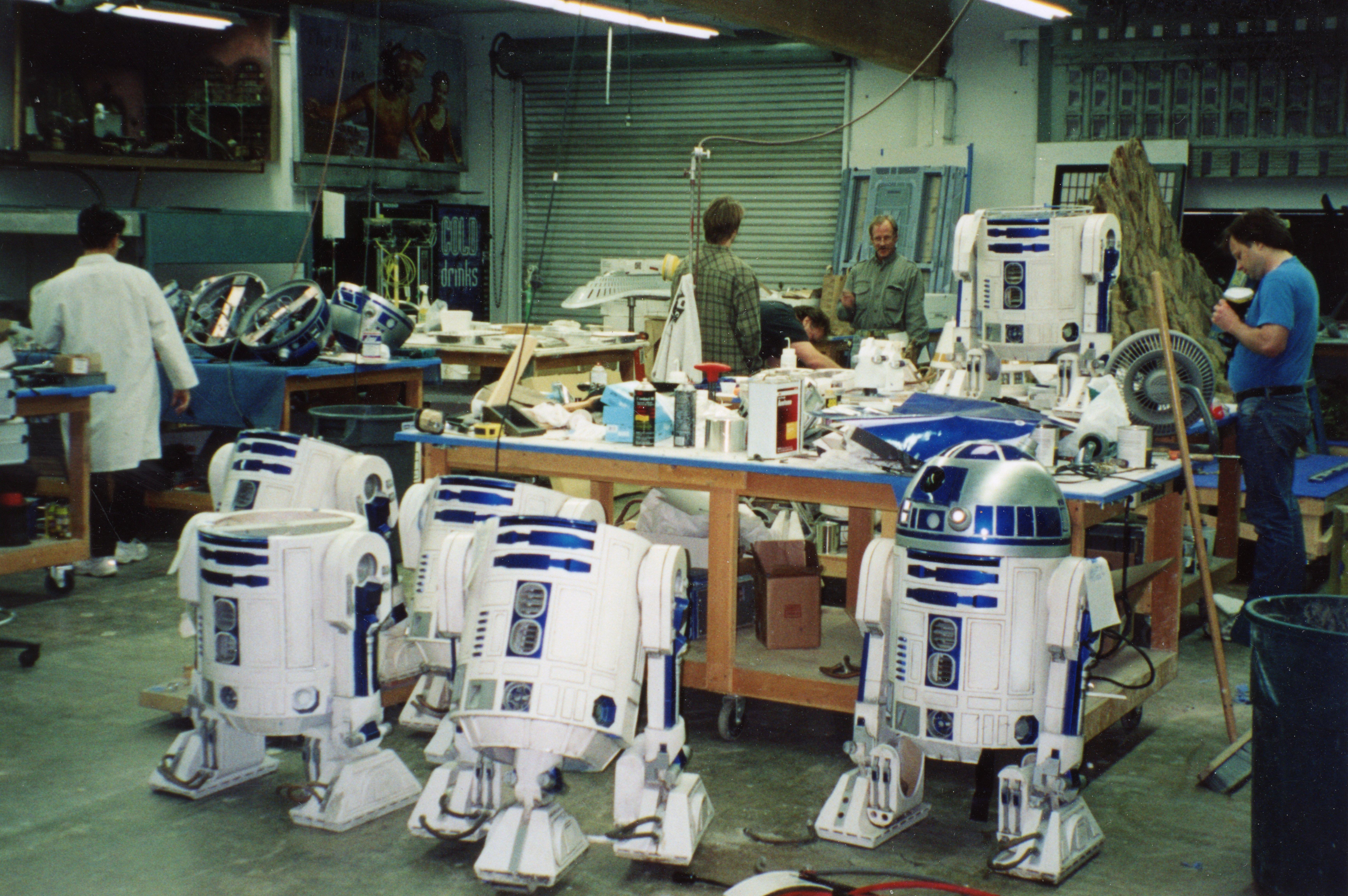 R2 Bodies Ep 1 resto.jpg