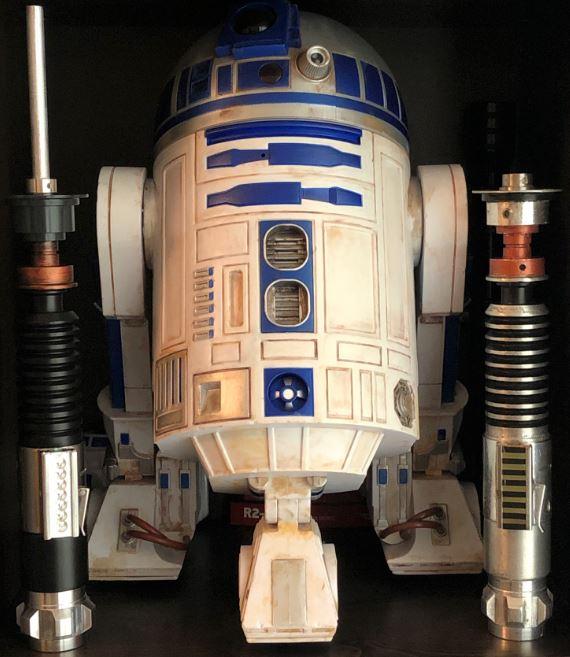 R2 & sabers.JPG