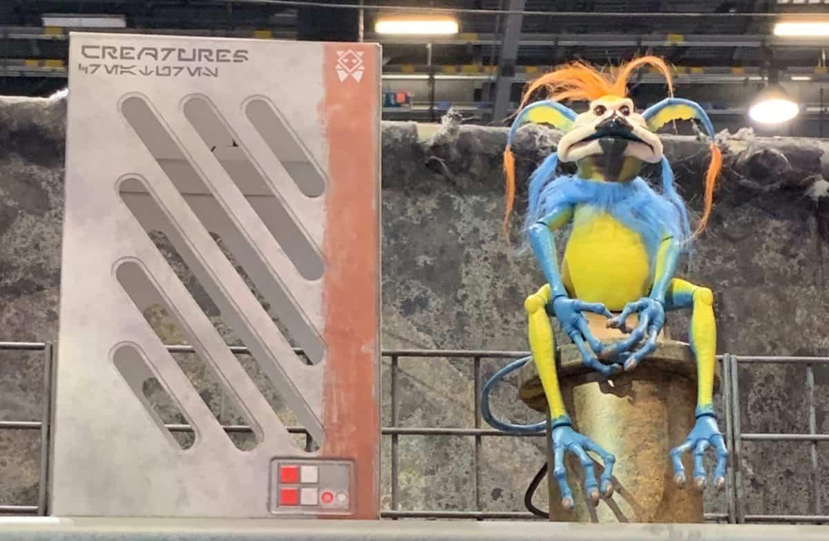 reature-stall-kowakian-monkey-lizard-blue-1200x783.jpg