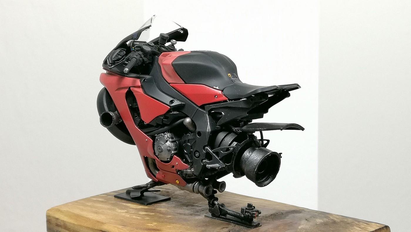 red_lighting_hover_bike-vi.jpg
