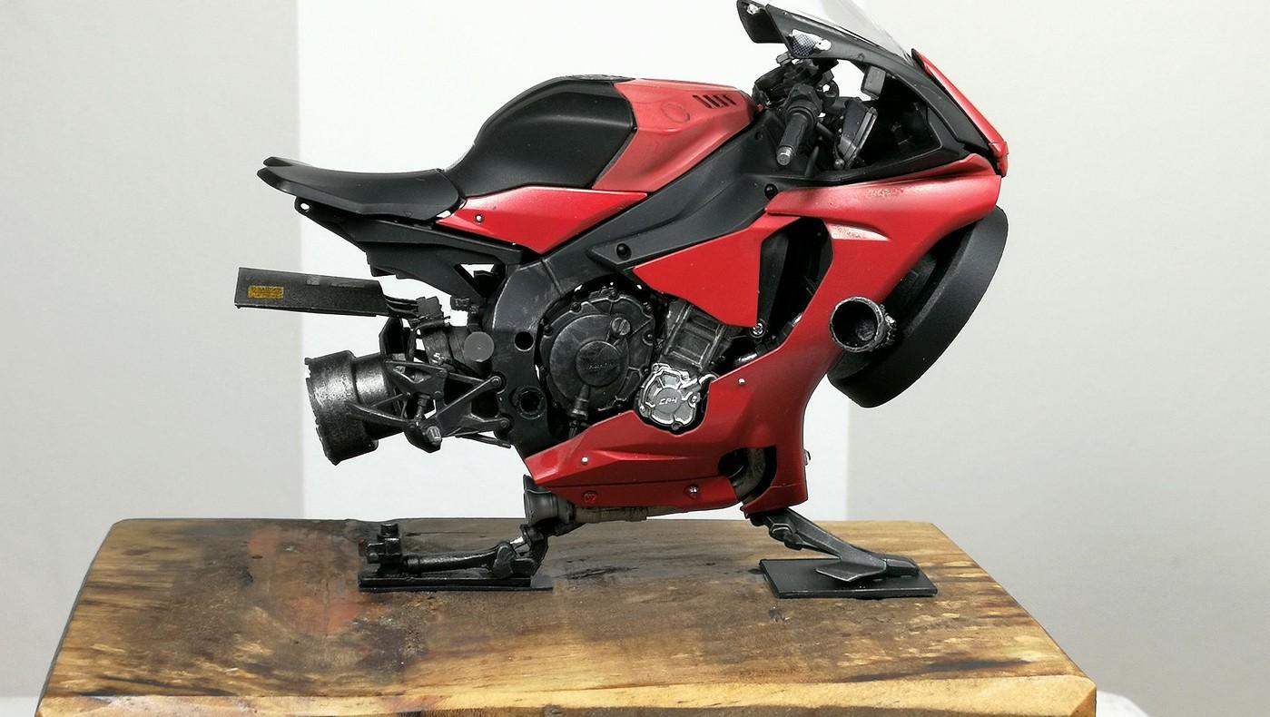 red_lighting_hover_bike4-vi.jpg