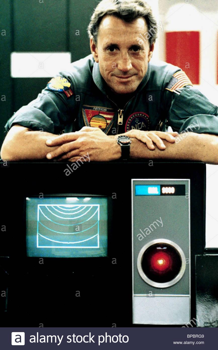 scheider-2010-the-year-we-make-contact-1984-BPBRG9.jpg