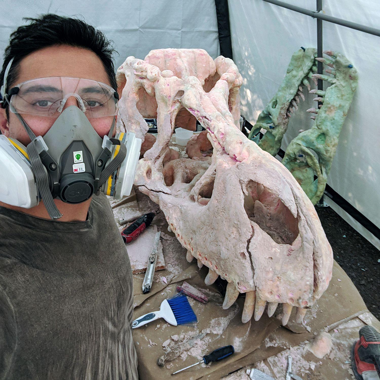 shareahack_diy-trex-skull-foam-bondo_final-touches.jpg