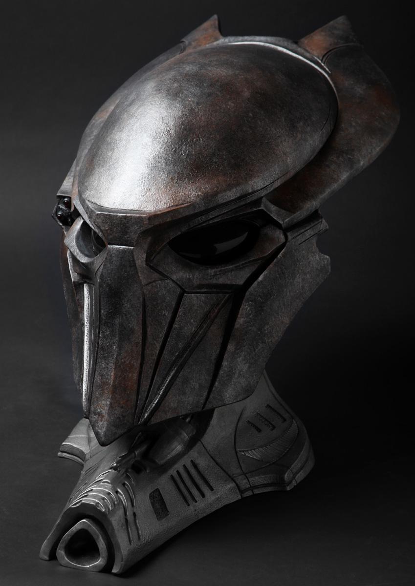 sideshow-falconer-predator-mask-repaint-1.jpg