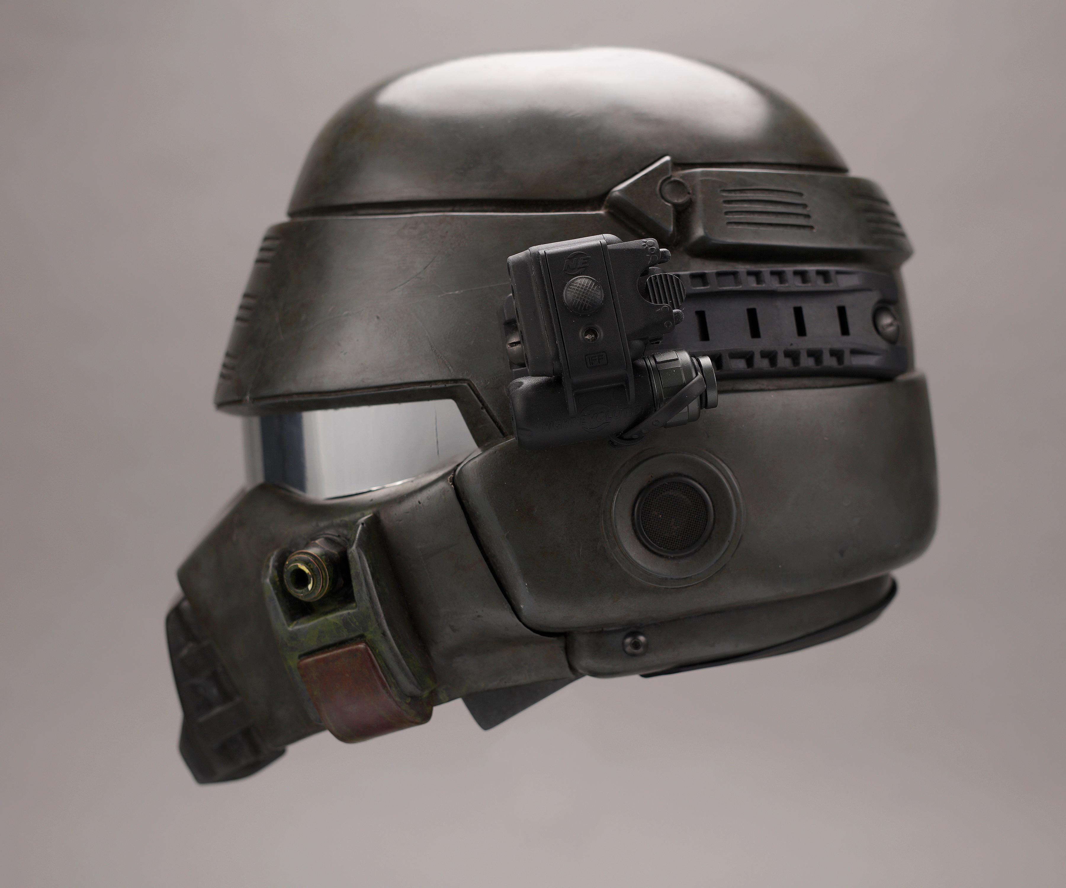 Starship Troopers Helmet Replica 3.jpg