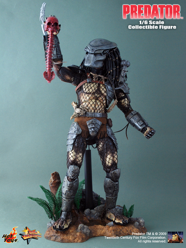 t-toys-mms-90-1st-predator-14-high-fully-poseable-predator-colletible-figure-1-predator_predator.jpg