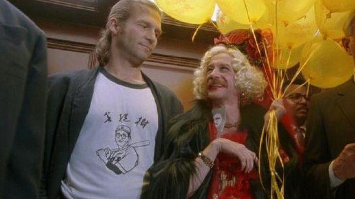 The-t-shirt-Kaoru-Betto-worn-by-Jack-Jeff-Bridges-in-The-Fisher-King-Movie.jpg