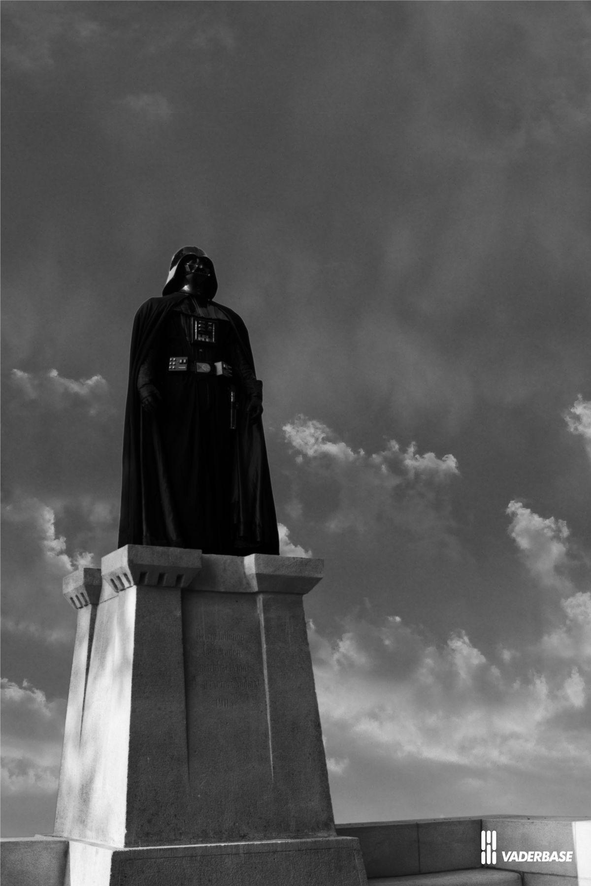 vader_monument_pedestal_5.jpg