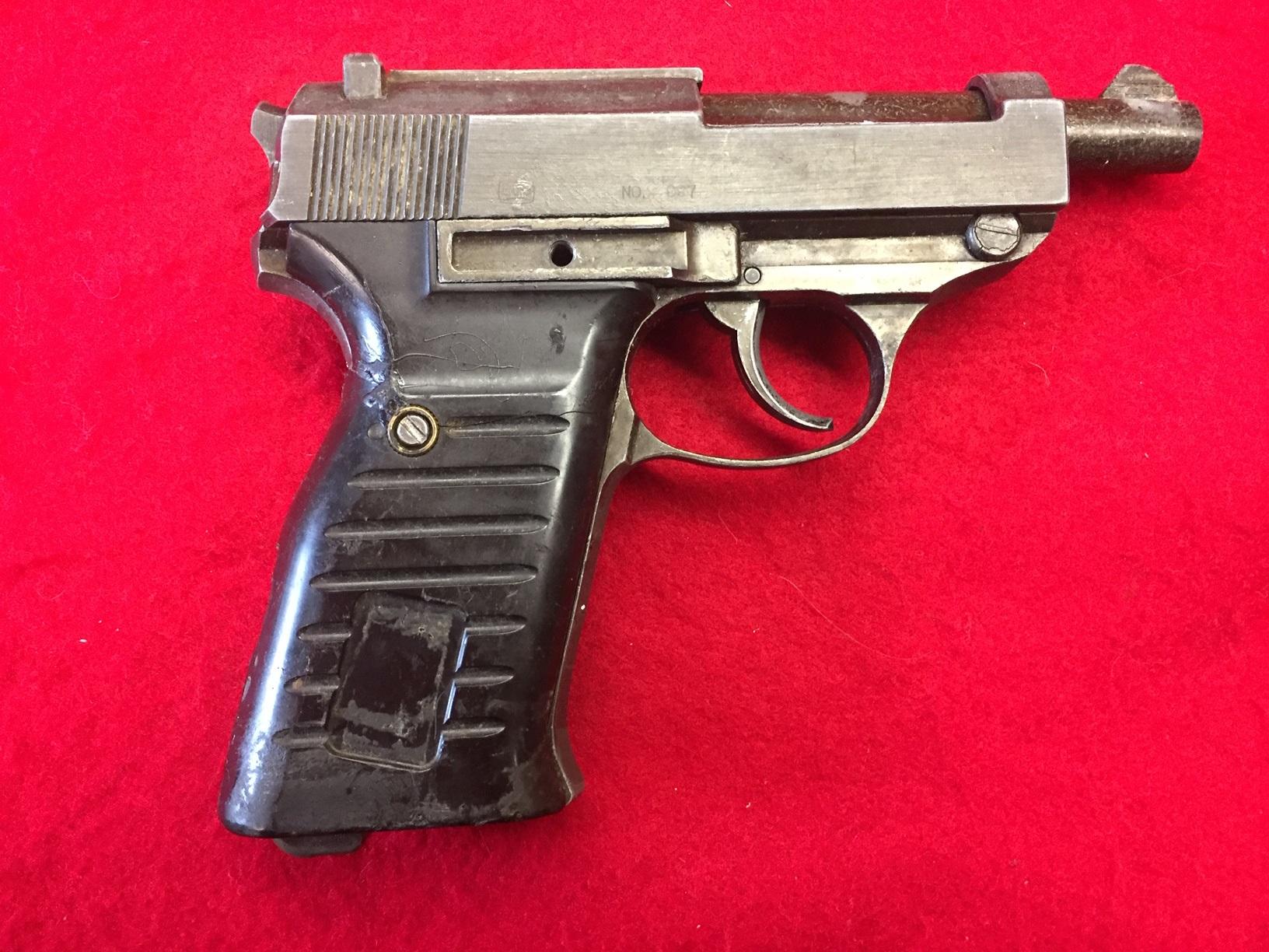 Walter's UNCLE Gun (11).jpg