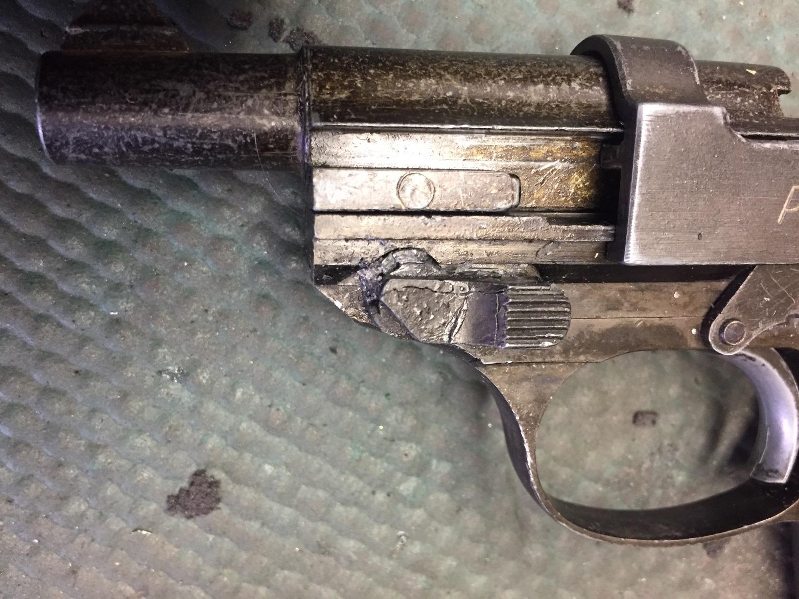Walter's UNCLE Gun (14).jpg