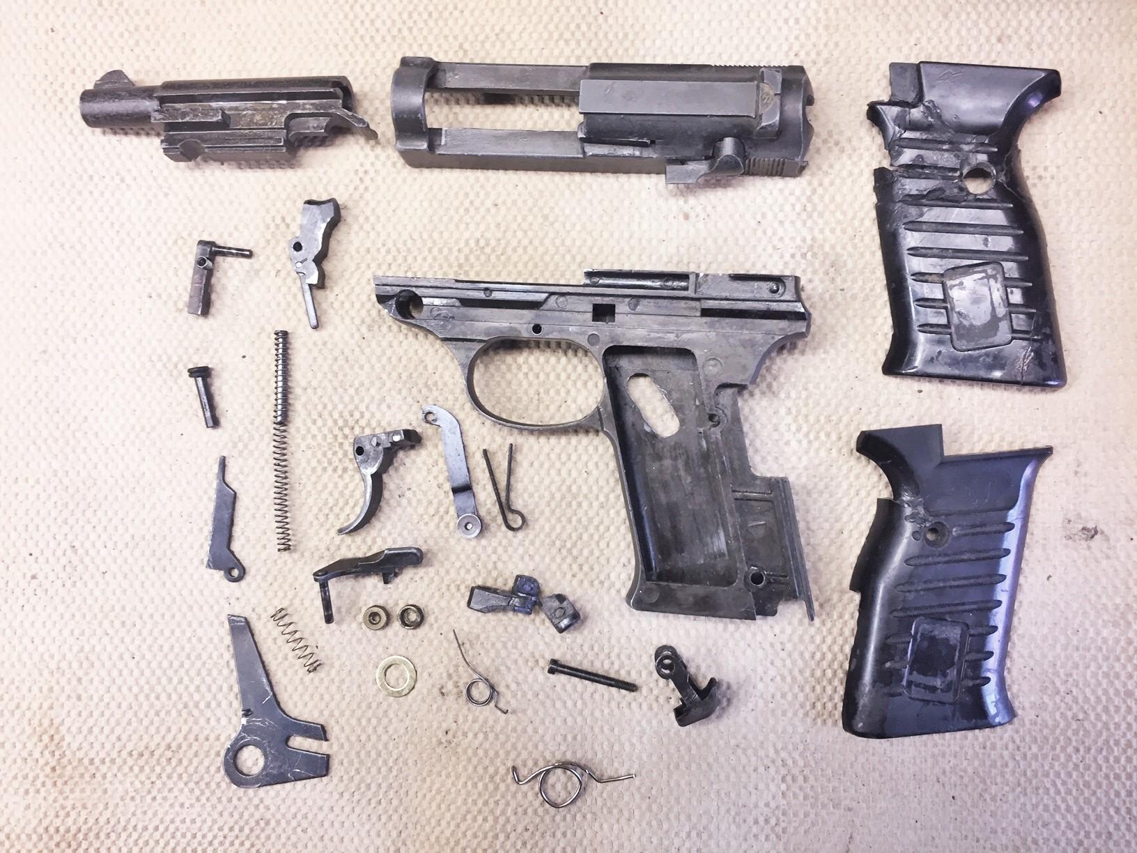 Walter's UNCLE Gun (15).jpg