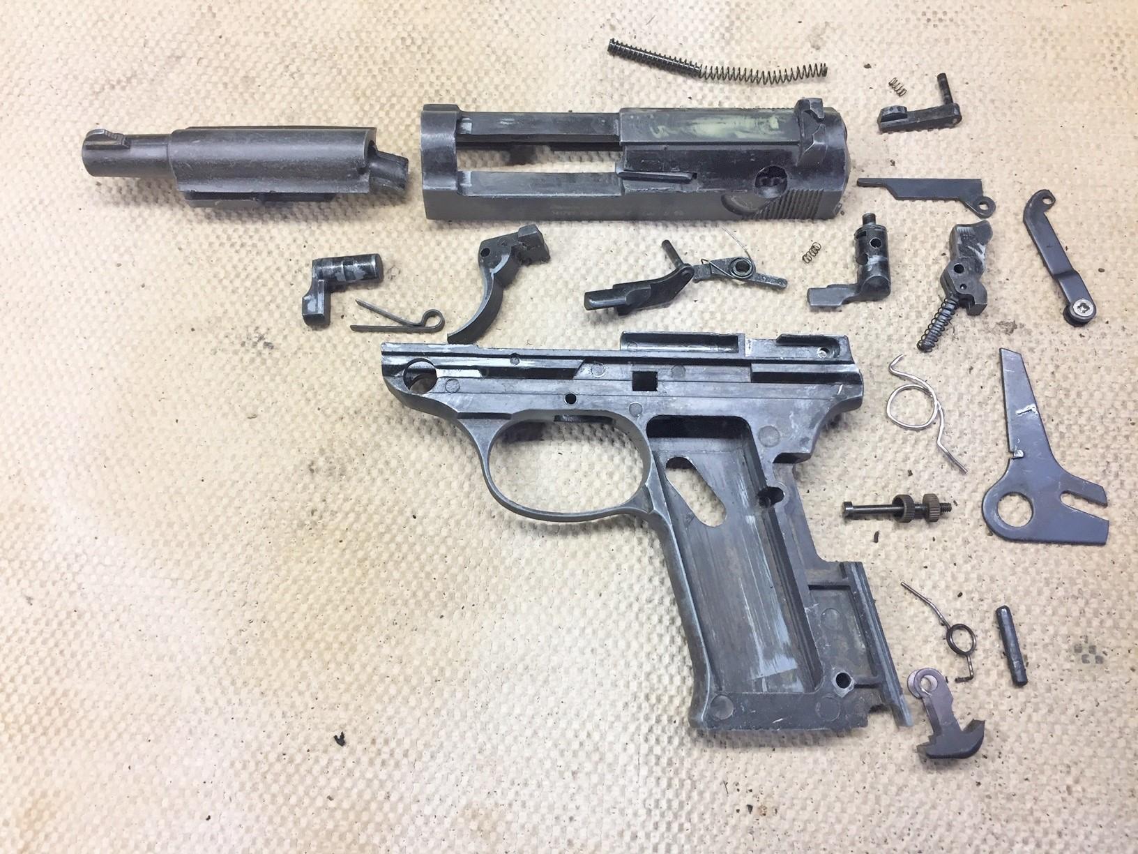 Walter's UNCLE Gun (16).jpg