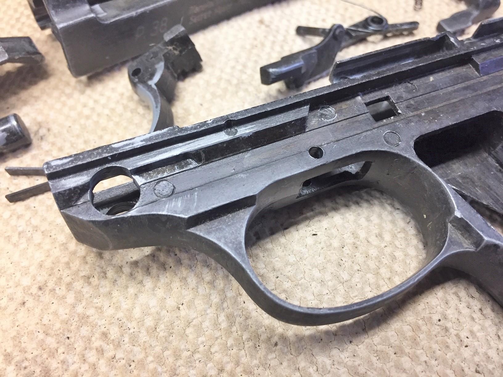 Walter's UNCLE Gun (18).jpg