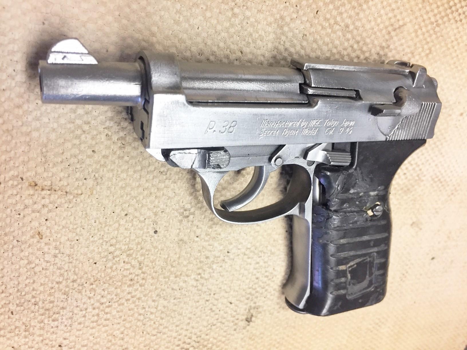 Walter's UNCLE Gun (25).jpg