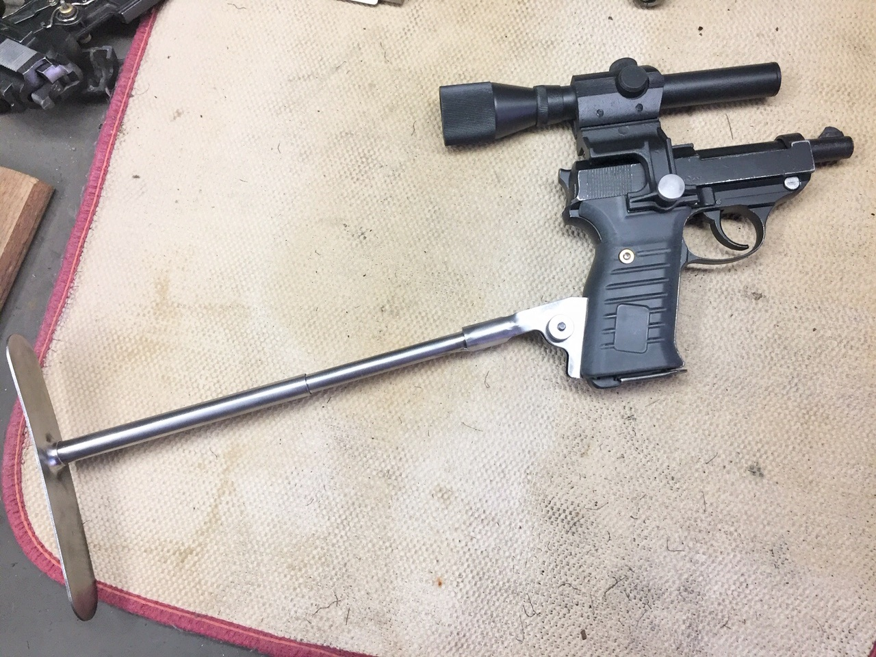 Walter's UNCLE Gun (48).jpg