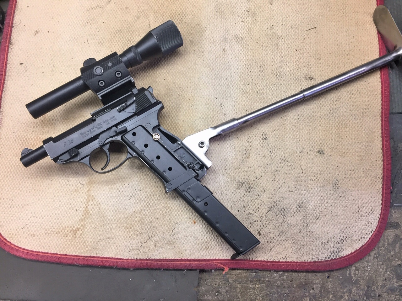 Walter's UNCLE Gun (50).jpg