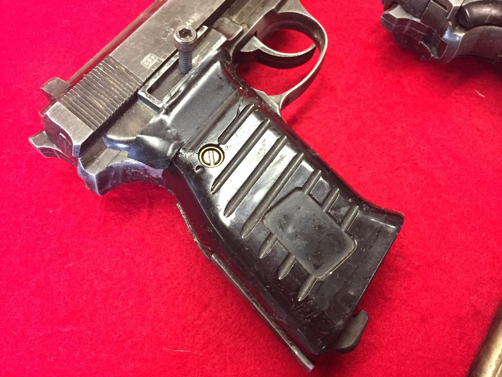 Walter's UNCLE Gun (6).jpg