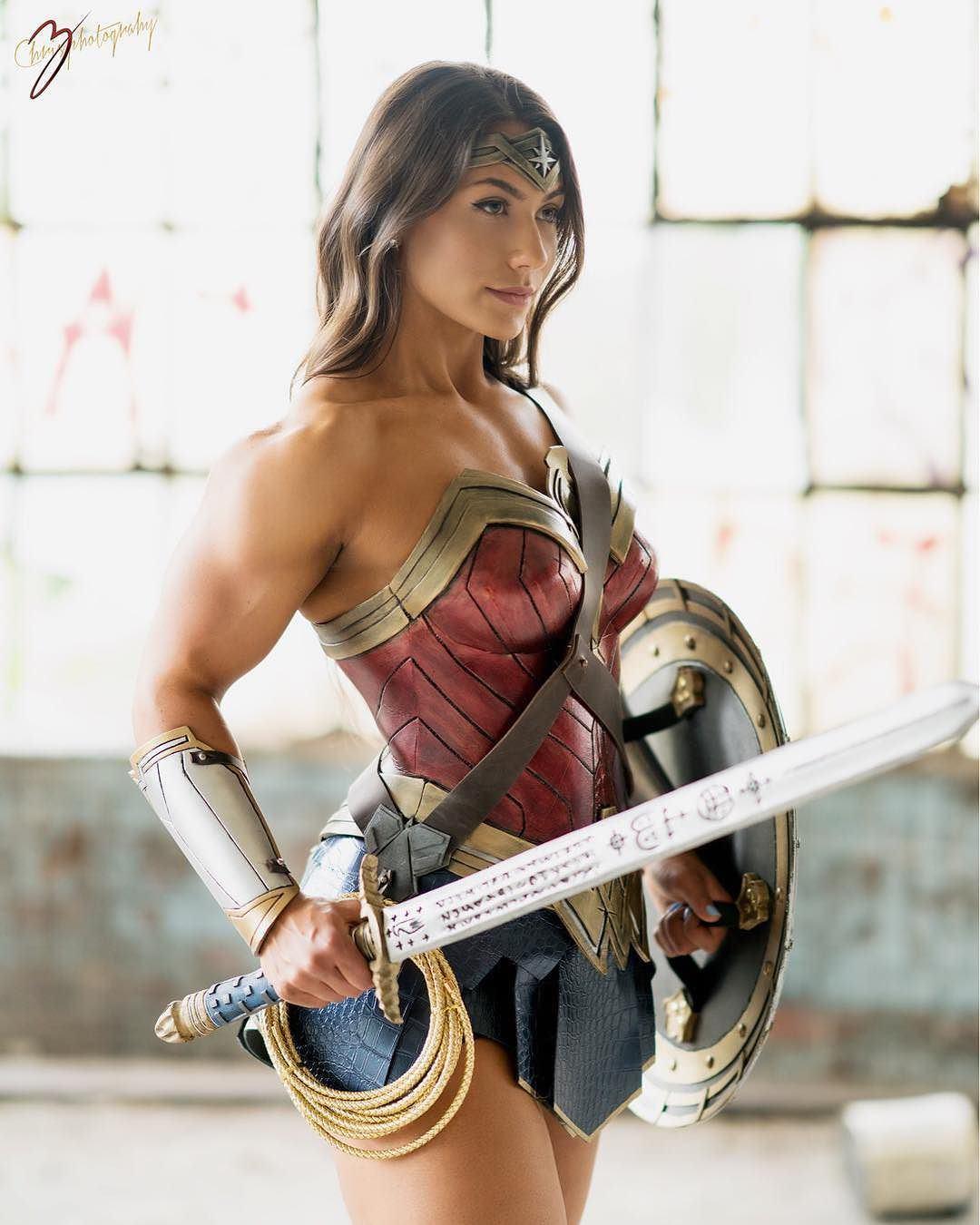 wonder-woman-cosplay-01.jpg