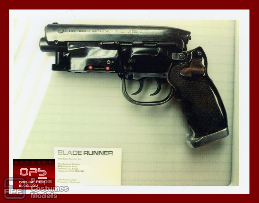 blade runner deckard hero pistol left side