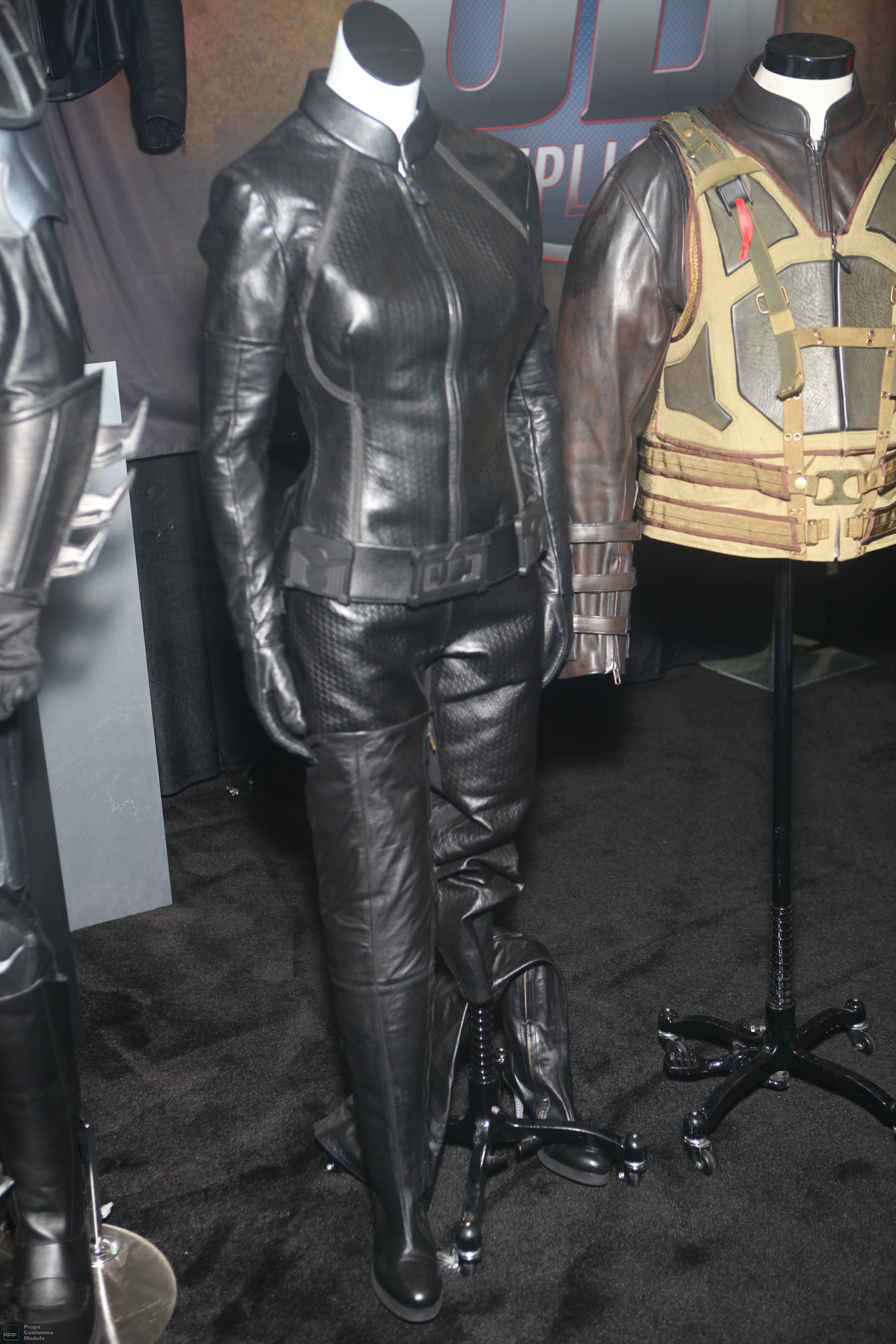 UD Replicas The Dark Knight Rises Catwoman Outfit
